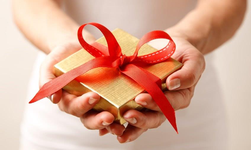 Правила этикета для подарков