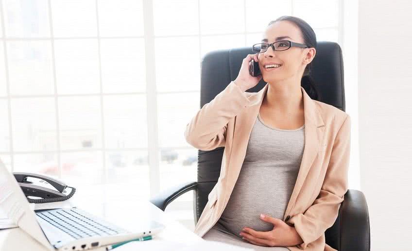 Кому положен больничный по беременности и родам