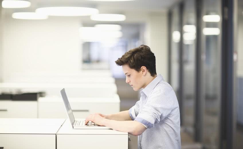 Как принять на работу подростка