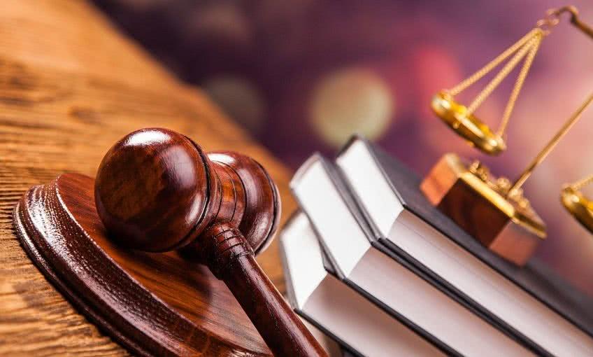 Выплаты по больничному через суд
