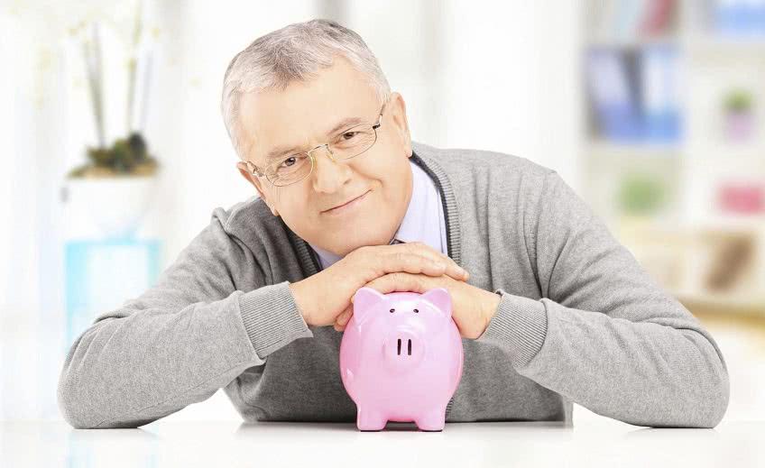 Компенсация при увольнении пенсионера