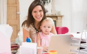 Как заработать сидя дома в декрете