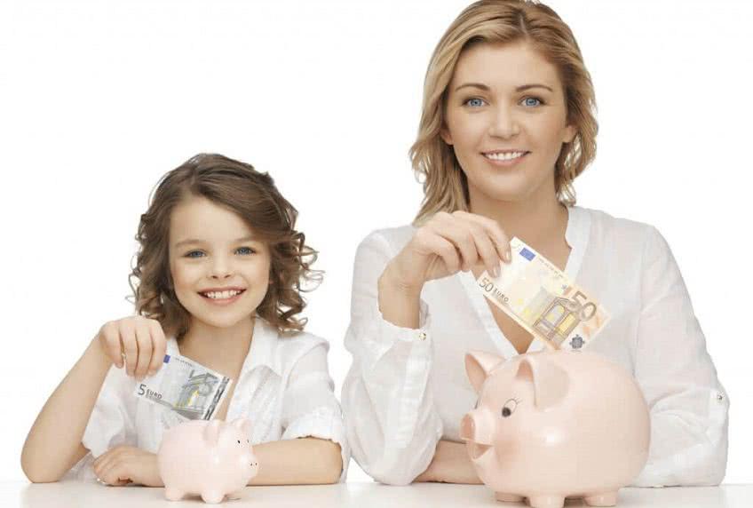 Как получить выплаты на ребенка после декрета