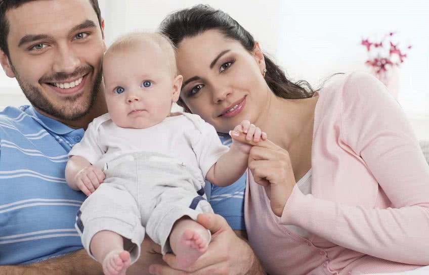 Как оформить детское пособие на ребенка