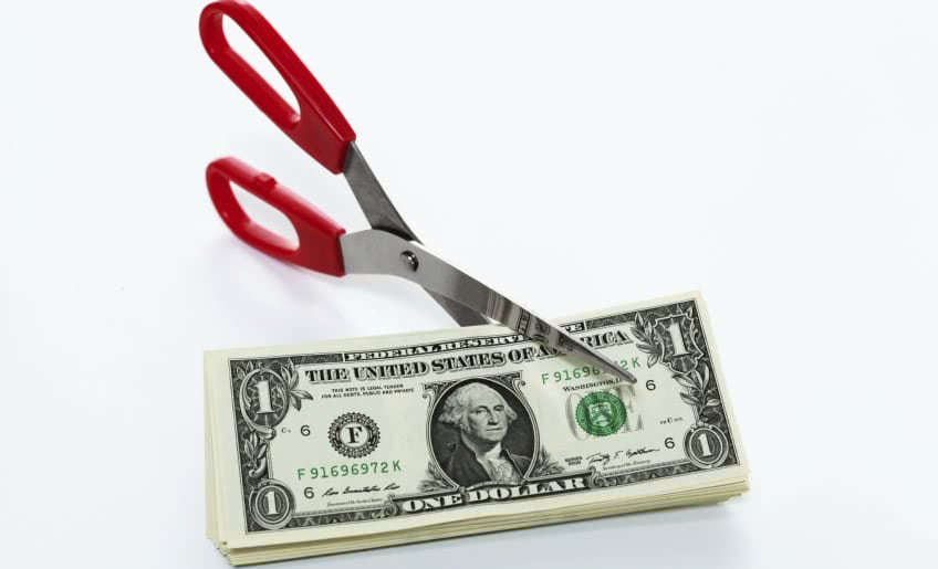 В каких случаях возможно удержание с зарплаты