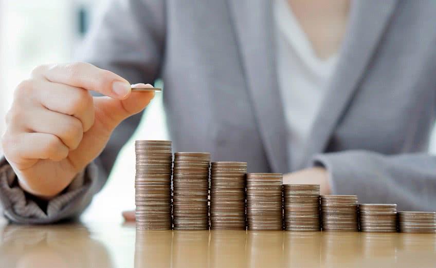 Когда положена доплата к заработной плате?