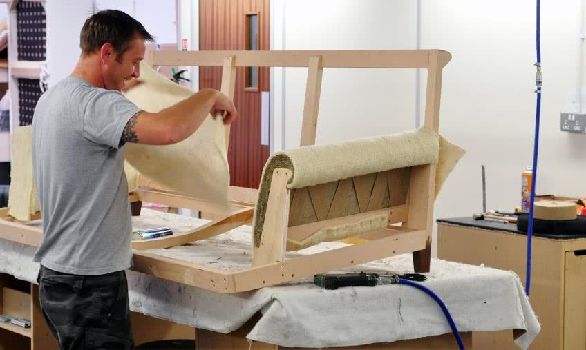 Заработок на перетяжке мебели