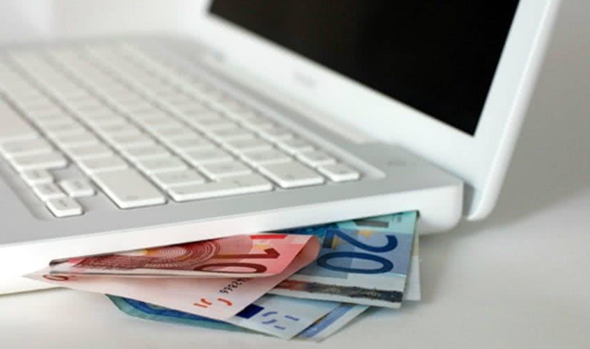 В чем плюсы электронных денег