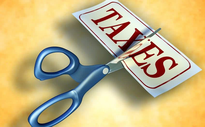 В каких случаях снижают налоги на УСН?