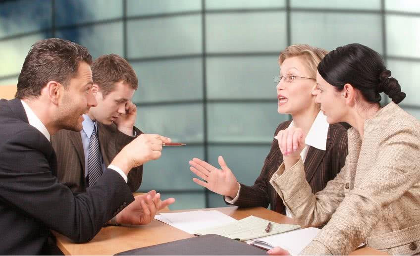 Из-за чего возникает конфликт интересов в коммерческой организации
