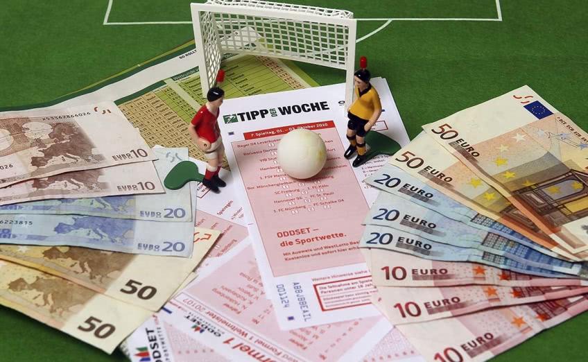 Как заработать деньги на ставках на спорт